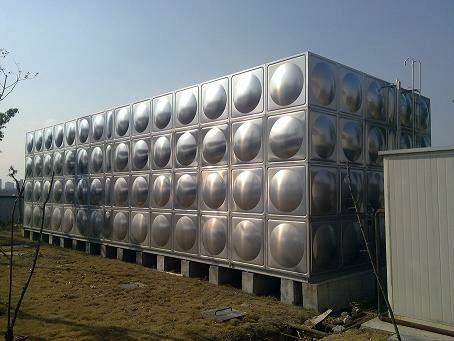 在酒店使用双层不锈钢保温水箱的重要性?