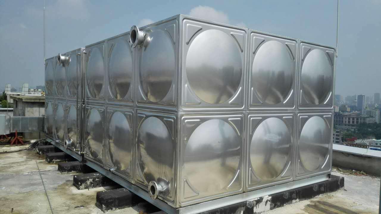 碳素钢板水箱和不锈钢水箱都有哪些差异?